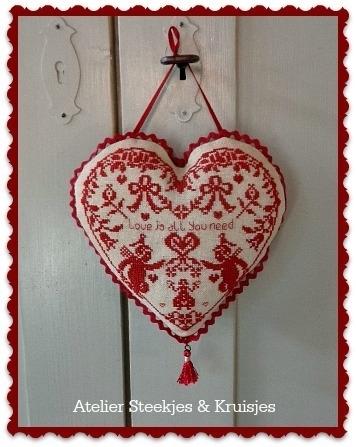 """S&K """"Love is all"""" borduurpatroon"""