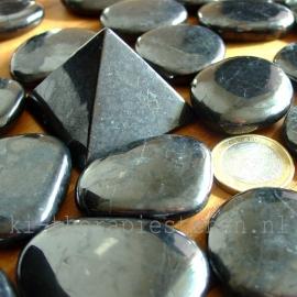 Shungiet, platte steen ( ca. 3,5-4,5 cm) per st.**