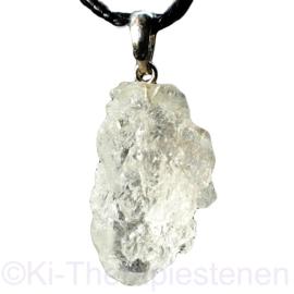 Etched Crystals - kwartspunt met zilveren oogje per st.