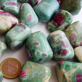 Fuchsiet met Robijn trommelsteen (XL) per st.*