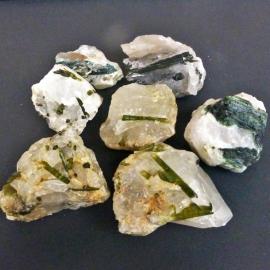 Toermalijn, groen,   7 cm lengte (4x in voorraad) p.st.