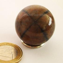 Chiastoliet - Kruissteen  Bol  ca 3 cm