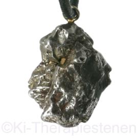 Meteoriet, ijzer hanger | per st.
