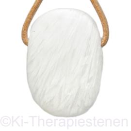 Scolesiet, wit, A kwaliteit,  groot hanger geboord per st.