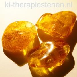 Barnsteen getrommeld ca 4,5-5  gr. 3-3,5 cm per Stuk A selectie