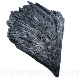 Kyaniet Zwart- Distheen (Brazilië) Lengte  11 cm 1x uniek handgroot ex.