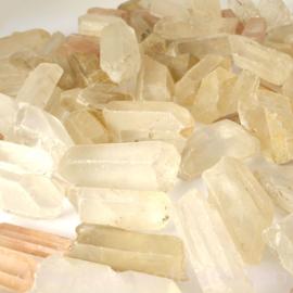 Bergkristal Natuur Punten gemengde grootte 25 - 50 mm  1 kilo