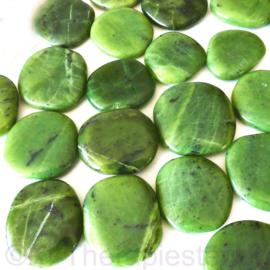 Nefriet, Jade, (Canada)  platte edelsteen per st.*