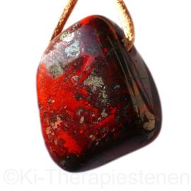 Jaspis: Bloedsteen jaspis  + hematiet hanger groot 1x uniek ex.