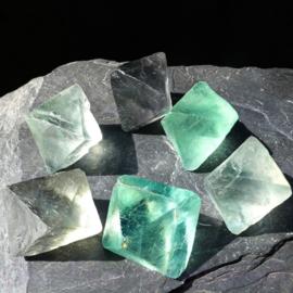 Fluoriet, groen Jumbo oktaeders XXL ø 4-4,5 cm per st.