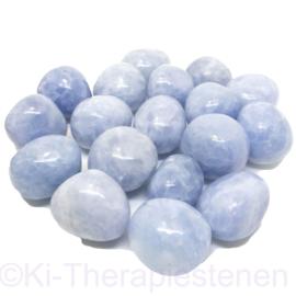 Calciet: Blauwe calciet trommelsteen A Q. (XL) per st.*