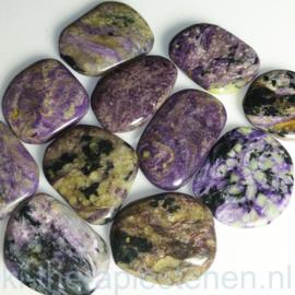 Charoiet, platte edelsteen 15-20 gr. per st.