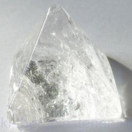 Bergkristal, piramide 3 cm, in Luxe geschenkverpakking