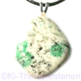 K2 Graniet met Malachiet edelsteen hanger per st.