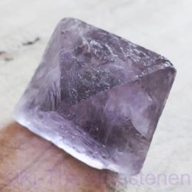 Fluoriet, Jumbo oktaeder ø 4,2 cm lila-paars 1x uniek ex.