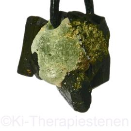 Prehniet met Epidoot kristal  hanger geboord 1x Uniek ex.