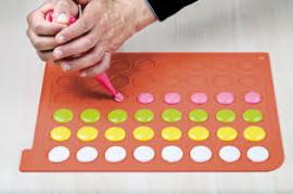 2592018 silicomart Wonder Cakes Macaron mat