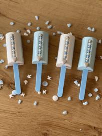 Centre filles / Mini  chic roll ice Cream Cake mold Silikomart