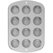 018100 Wilton Recipe Right® 12 Cup Muffin Pan