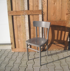 Eetkamer stoel cafe hout grijs brocante