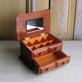 Sieraden kastje hout bruin byoux kistje 18 x 12,5 x 10,5 cm