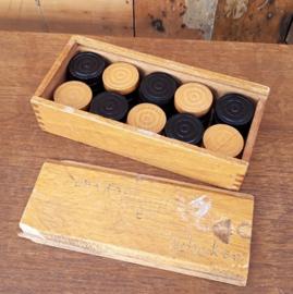Damstenen in kistje hout origineel 17 x 7,5 cm