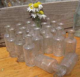Fles flesje vaas glas origineel 7 cm hoog