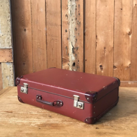 Koffer rood 53 x 32 x 16 origineel vintage