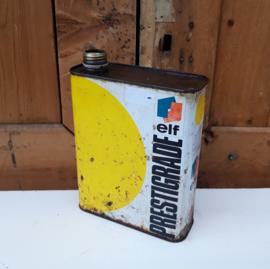 Olie blik olie drum ELF Prestigrade barn found