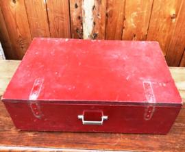 Houten kist koffer rood origineel gereedschap