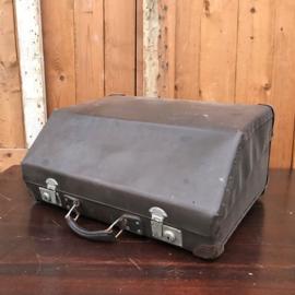 Koffer accordeon bruin 57 x 43 x 28 origineel