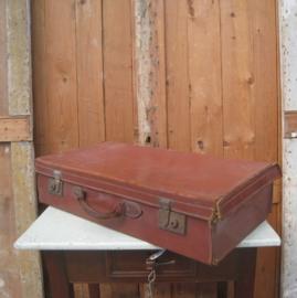 Koffer leer bruin 70 x 36 x 16 beschadigd