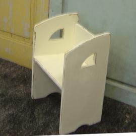 Stoel kind kinderstoel creme stoeltje hout landelijk