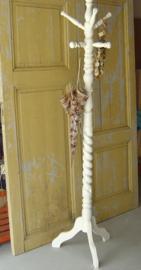 Kapstok staand wit hout brocante 182 cm VERKOCHT