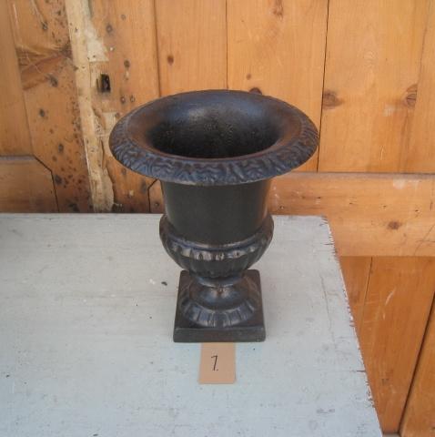Vaas louvre zwart metaal decoratie 23 cm