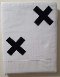 laken wit met zwart kruis