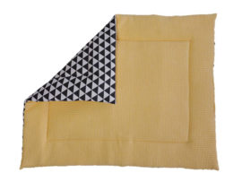 Boxkleed geel, driehoek zwart/wit