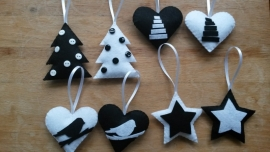 Setje van 3 huisjes en 3 hartjes zwart wit