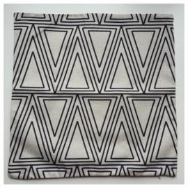 Kussenhoes ecru/zwart geometrisch