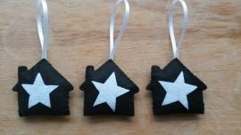Huisje met ster zwart wit