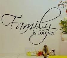 """Muursticker """"Family is forever"""""""