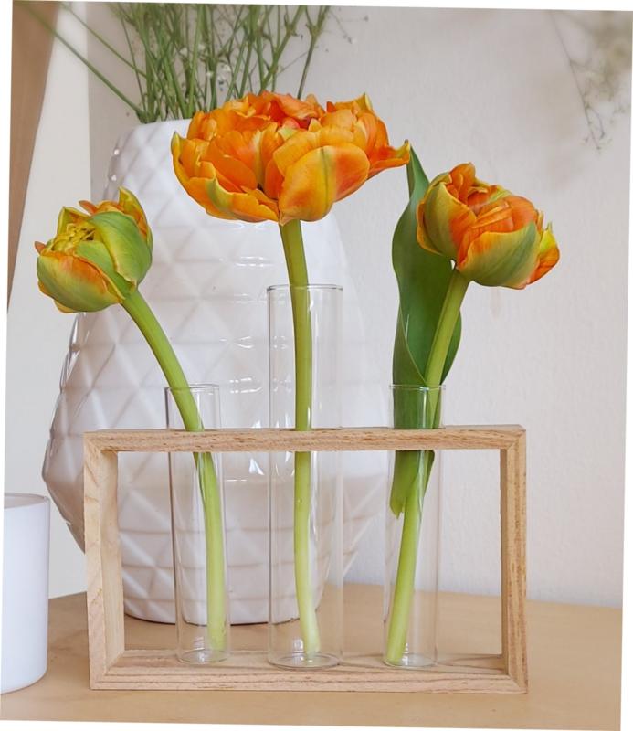 3 glazen vaasjes in houten frame