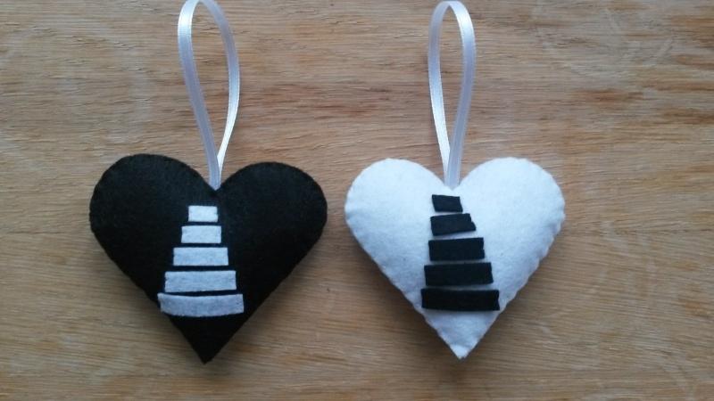 Hartjes zwart wit met kerstboom 2 stuks