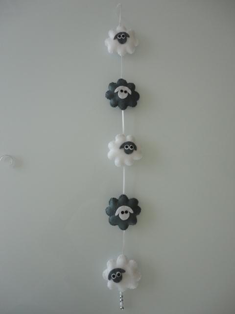 Hanger schaapjes grijs/wit