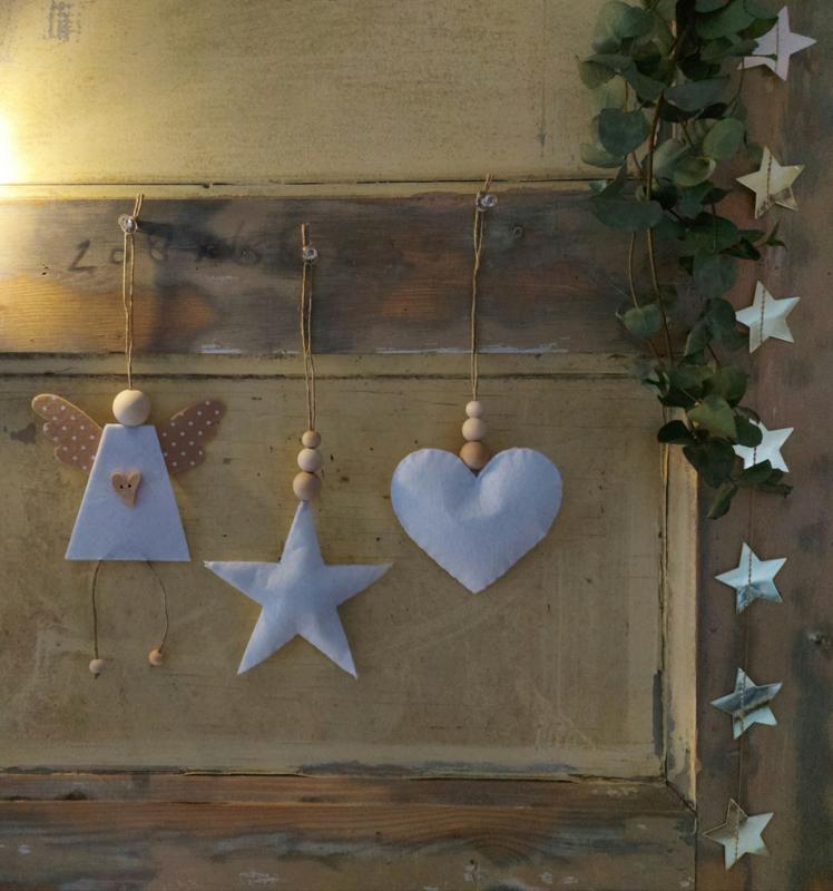 Hanger hart met houten kralen