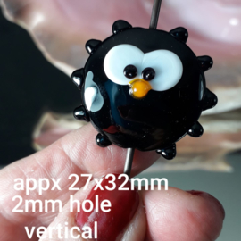 IKZW0122: Grote Focal Kraal, Sunny Zwart, ca 27x32mm