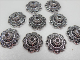 Beadcap 89: Floral 14x6mm (2mm hole)