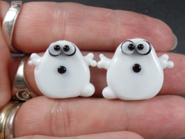 IKZW0005: Set of 2 Ghosts DoubleSided, appx 19-21mm