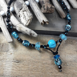 TU0015: Elegant Necklace Turquoise & Black, adjustable
