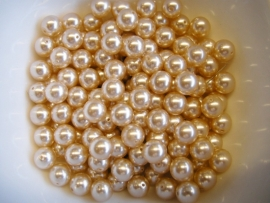 Parel Champagne 8mm
